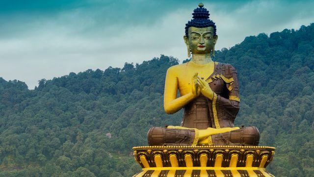 Statue de Bouddha, à Rabangla, Sikkim, Inde [Mitrarudra - Depositphotos]