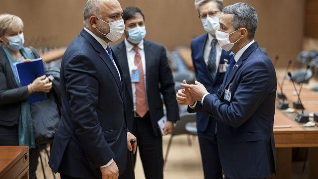 Le ministre des Affaires étrangères Ignazio Cassis avec son homologue afghan Mohammad Hanif Atmar. [Valentin Flauraud - Keystone]