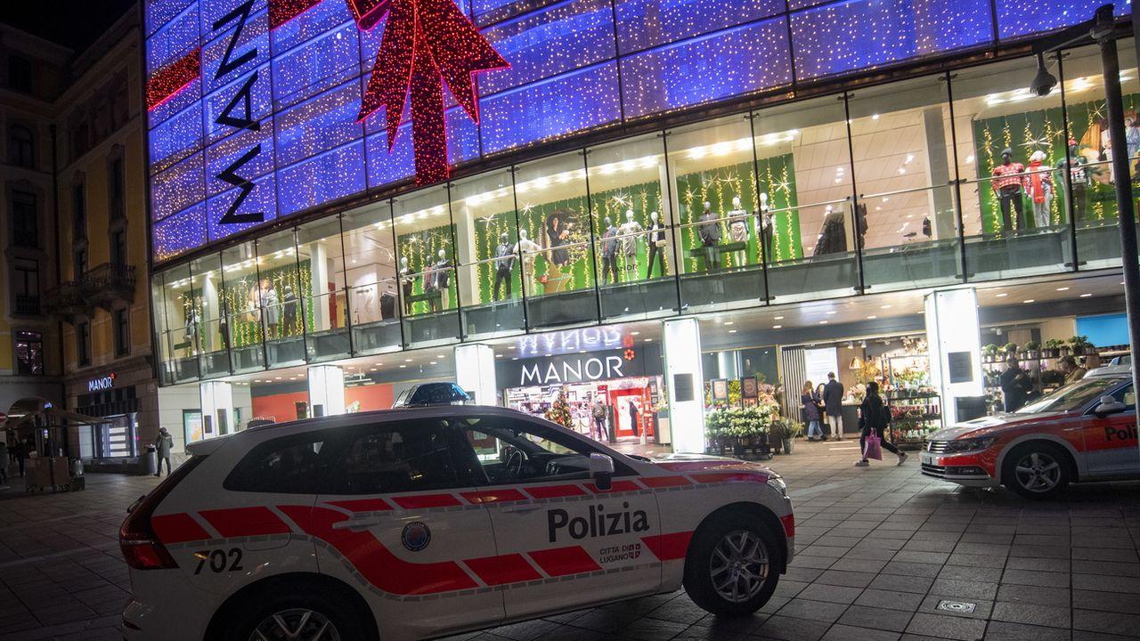 L'agression a été perpétrée à l'intérieur de la succursale Manor du centre de Lugano. [Pablo Gianinazzi - EPA/Keystone]