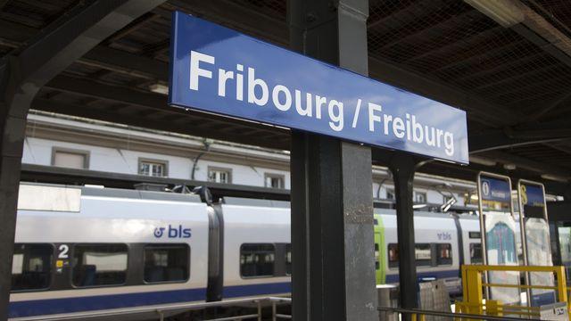 La Confédération va accorder 110 millions de francs aux CFF pour l'aménagement de la gare de Fribourg.  [Peter Klaunzer - Keystone]