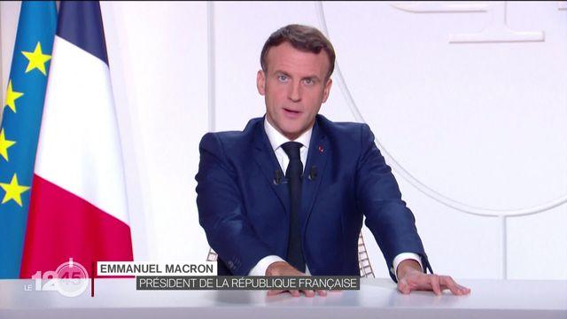 Emmanuel Macron a annoncé un allègement en trois étapes des restrictions destinées à enrayer l'épidémie en France. [RTS]