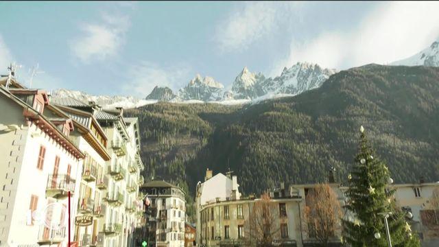 Stations de ski fermées en France: la décision du président Macron suscite colère et incompréhension à Chamonix. [RTS]