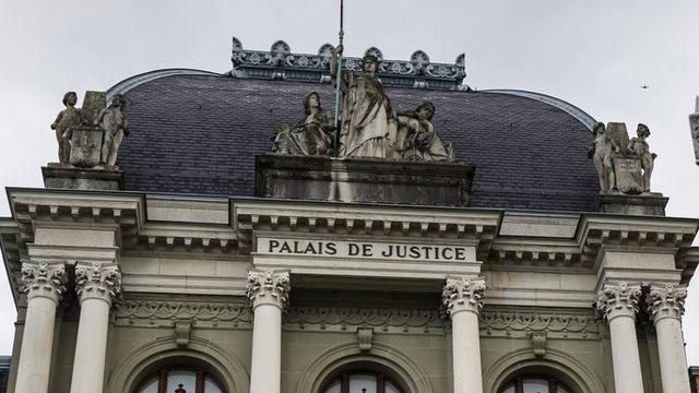 """Dans le domaine des """"prêts Covid"""", il y a actuellement 260 plaintes pénales qui ont été déposées pour un montant total de 40 millions de francs (image prétexte). [Jean-Christophe Bott - KEYSTONE]"""