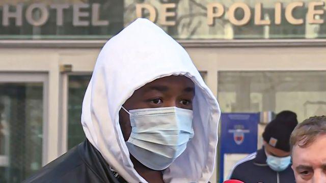 Michel, le producteur passé à tabac, devant l'IGPN à Paris, le 26 novembre. [Aurore MESENGE - AFP]