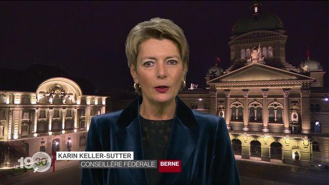 """Karin Keller-Sutter: """"Dans un monde globalisé, il est important d'avoir des règles communes, coordonnées au niveau international"""" [RTS]"""