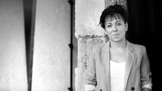 """Entretien avec Maryla Laurent, traductrice des """"Histoires bizarroïdes"""" d'Olga  Tokarczuk aux éditions Noir sur Blanc - Radio - Play RTS"""