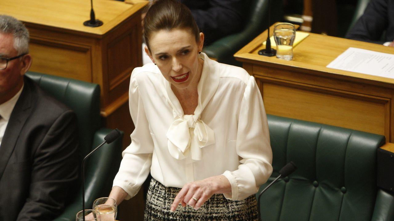 """La Première ministre néo-zélandaise Jacinda Ardern a proclamé un état d'""""urgence climatique"""". [AP Photo/Nick Perry - Keystone]"""