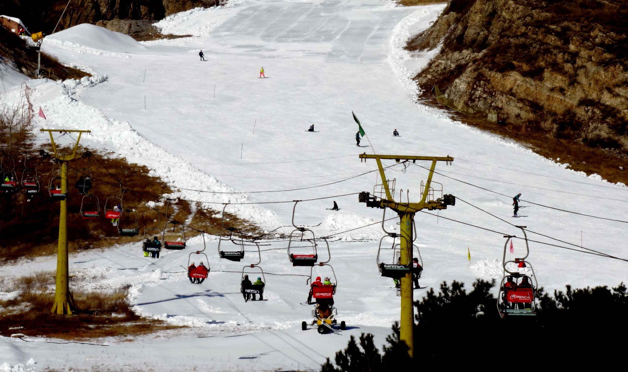 Fédération internationale de ski: annulations en chaîne prévues en Chine