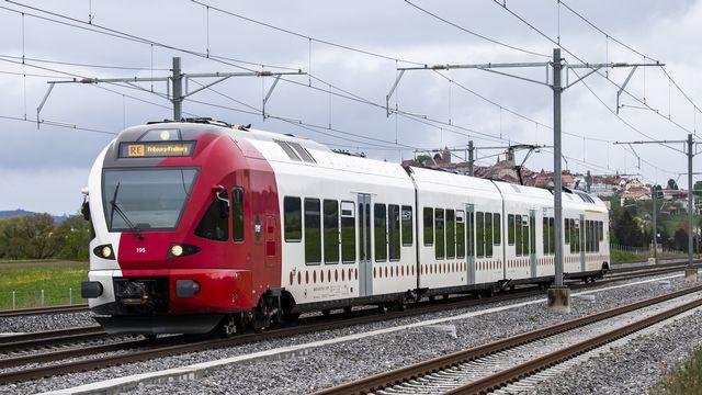 Une initiative qui demande la gratuité des transports publics dans le canton de Fribourg a été déposée. [Jean-Christophe Bott - KEYSTONE]