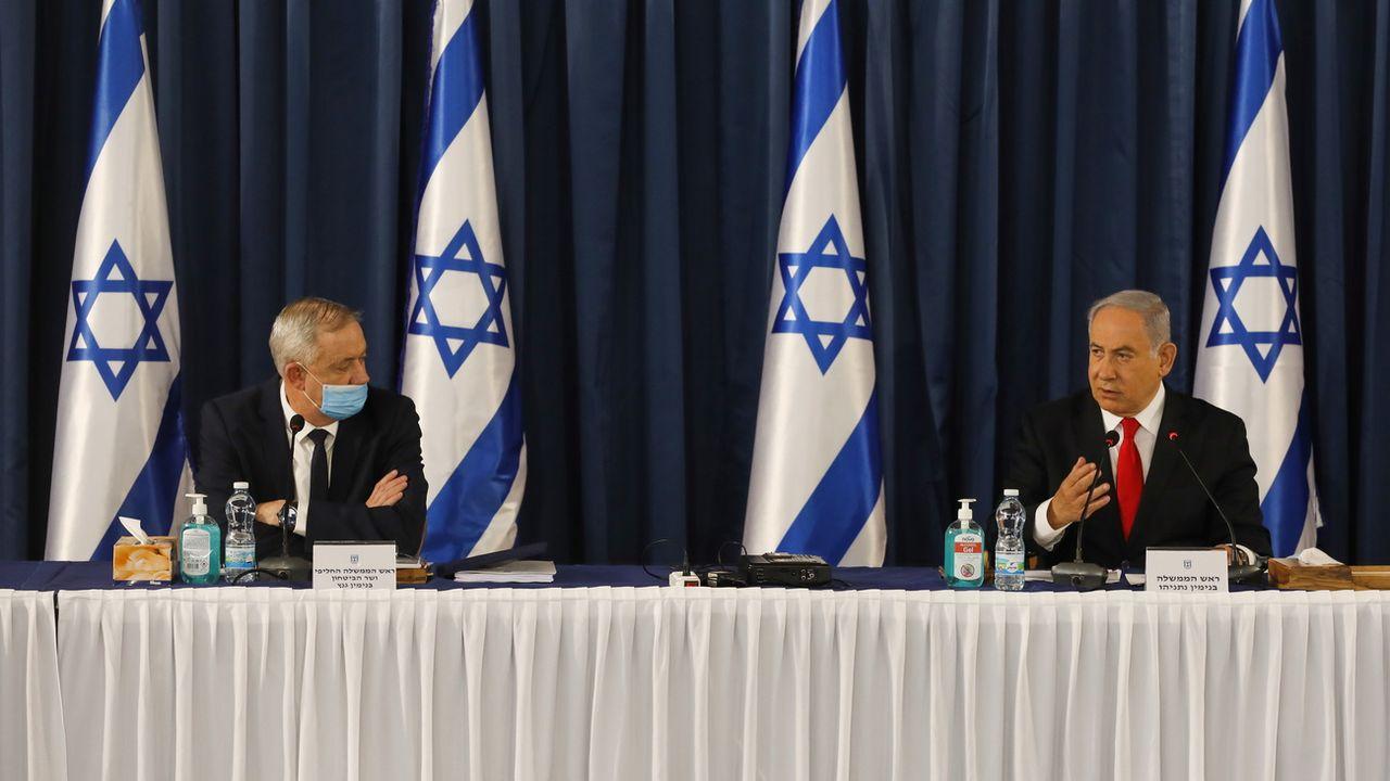 Le ministre de la Défense Benny Gantz et le Premier ministre Benjamin Netanyahu en juin dernier. [EPA/Menahem Kahana - Keystone]