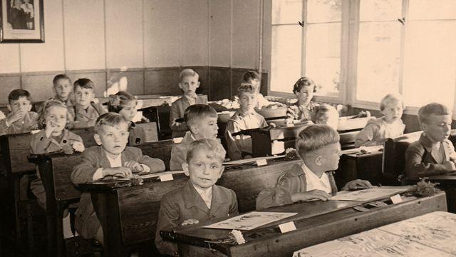 Salle de classe ancienne. [RomanNerud - Depositphotos]