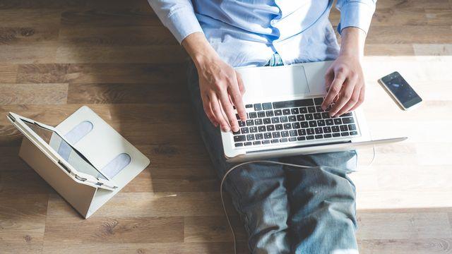 Quelles connexions sont nécessaires pour consommer du streaming ou télétravailler confortablement chez soi? [peus - Depositphotos]