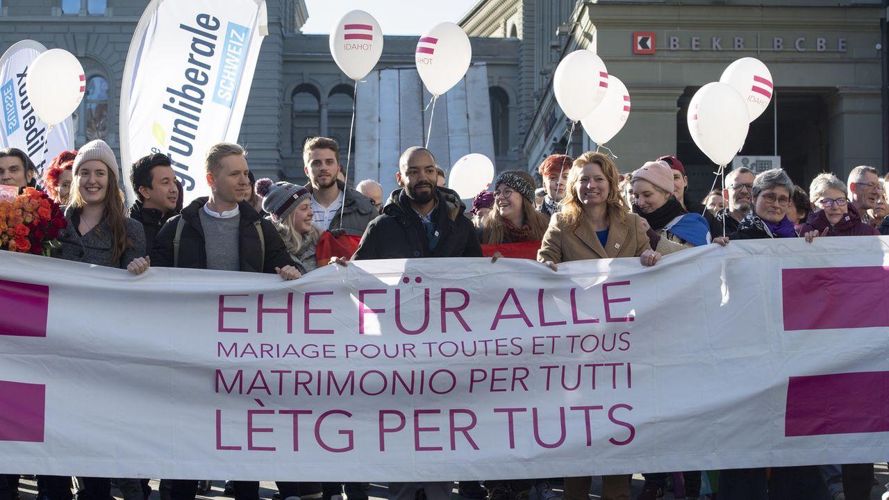 Le Parlement met la touche finale au projet de mariage pour tous. [Anthony Anex - Keystone]