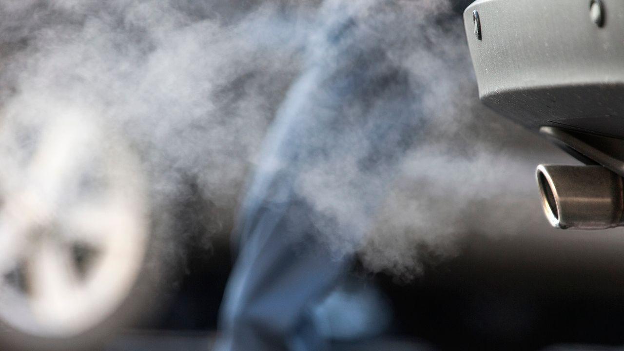 Les émissions de CO2 liées aux carburants n'ont pas reculé en 2019. [Gaëtan Bally - Keystone]