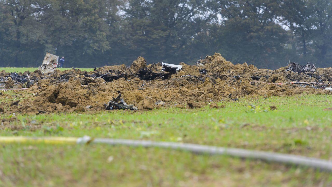 L'appareil s'était écrasé dans un champ à Glamondans, près de Besançon. [Jean-Christophe Bott - Keystone]