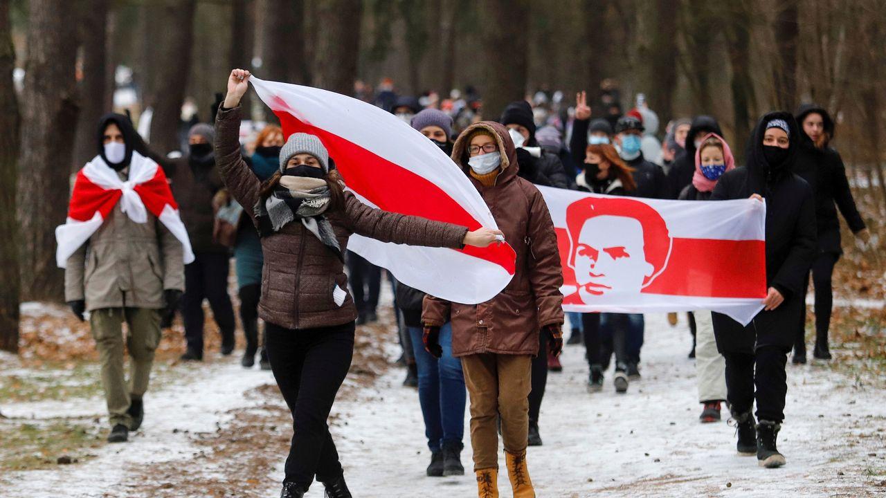 Des opposants biélorusses manifestent à Minsk. [Stringer - Reuters]