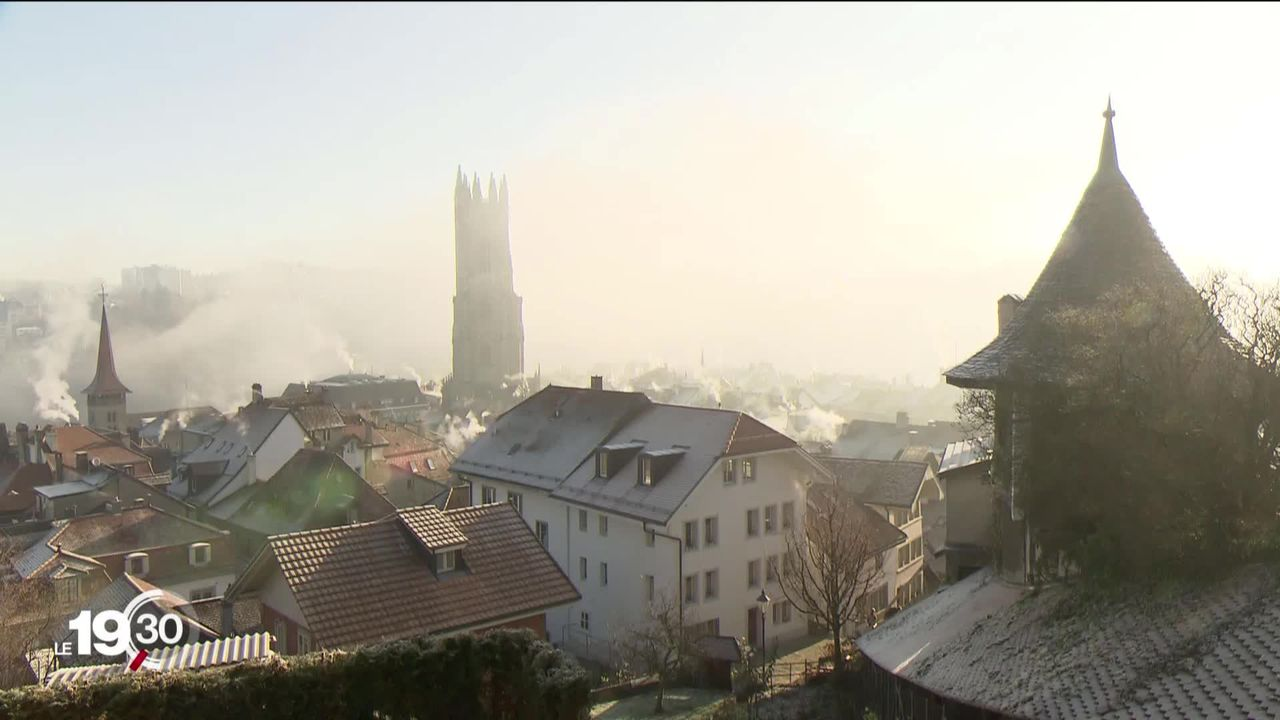 Avec sa nouvelle loi sur la transparence en politique, Fribourg se montre sévère envers les dons d'entreprise [RTS]