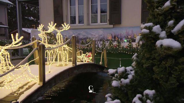 Depuis 18 ans, le jardin d'Emil Boschung se transforme chaque année en véritable village de Noël. [RTS]