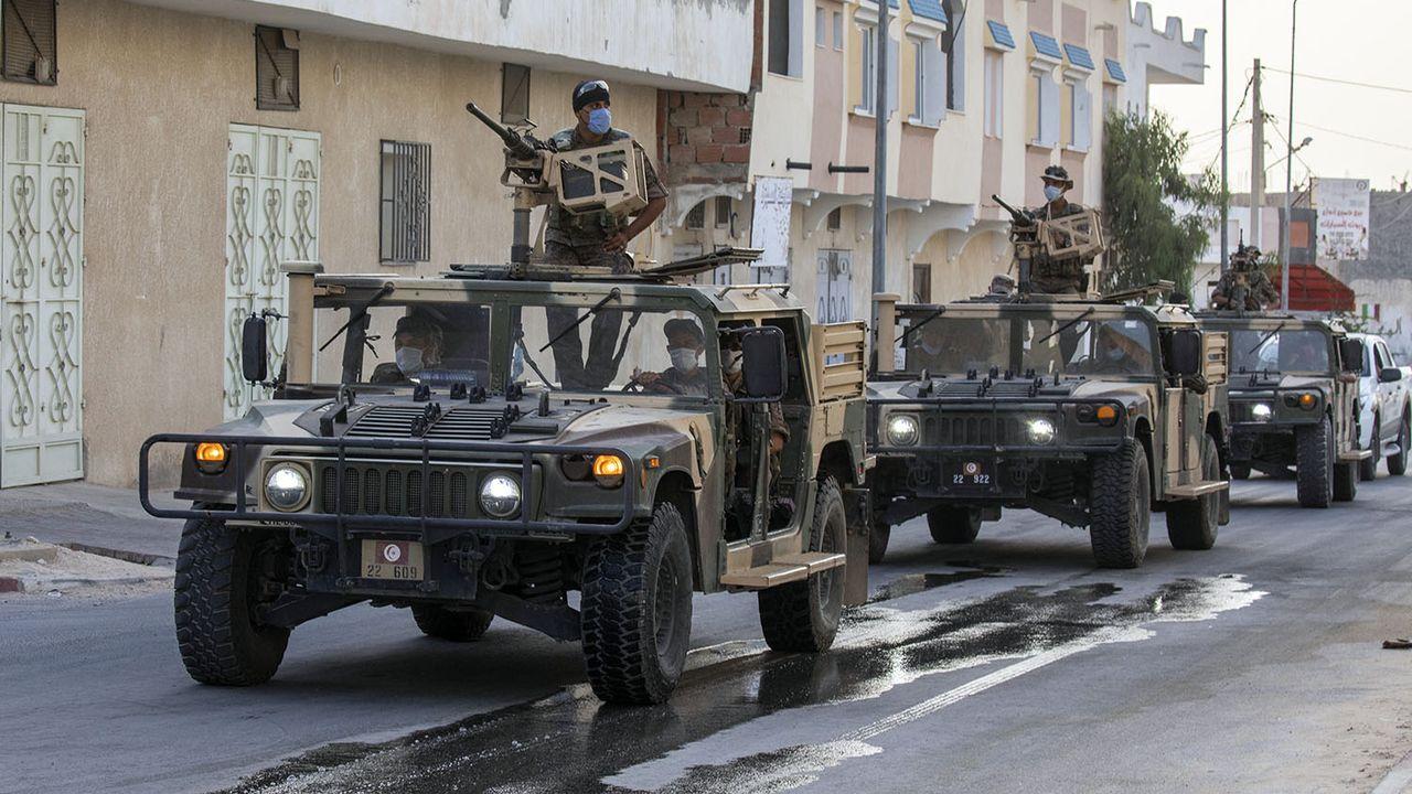 Forces de sécurité tunisiennes en patrouille à Gabès, 21.08.2020. [Nacer Talel - Anadolu Agency/AFP]