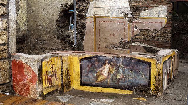 Les thermopolium étaient très populaires dans le monde romain. [Luigi Spina - AFP]