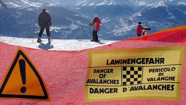 Le risque d'avalanche est actuellement de niveau 3 à 4 dans les Alpes. [Andrée-Noëlle Pot - Keystone]