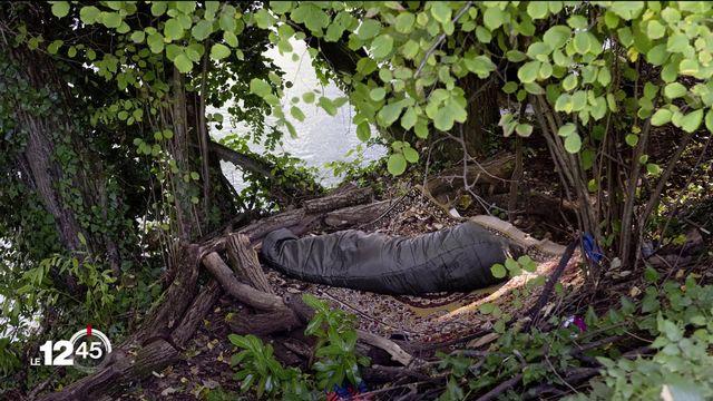 La pauvreté en Suisse est une réalité. Le photographe Mark Henley a immortalisé la misère avec des clichés choc. [RTS]