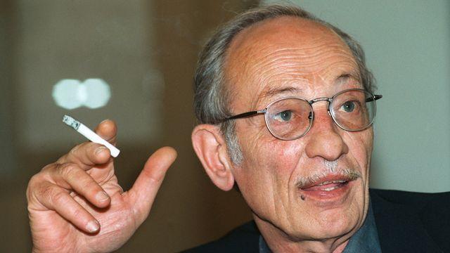 Portrait de l'architecte tessinois Luigi Snozzi. Ici en 1996. [Keystone]