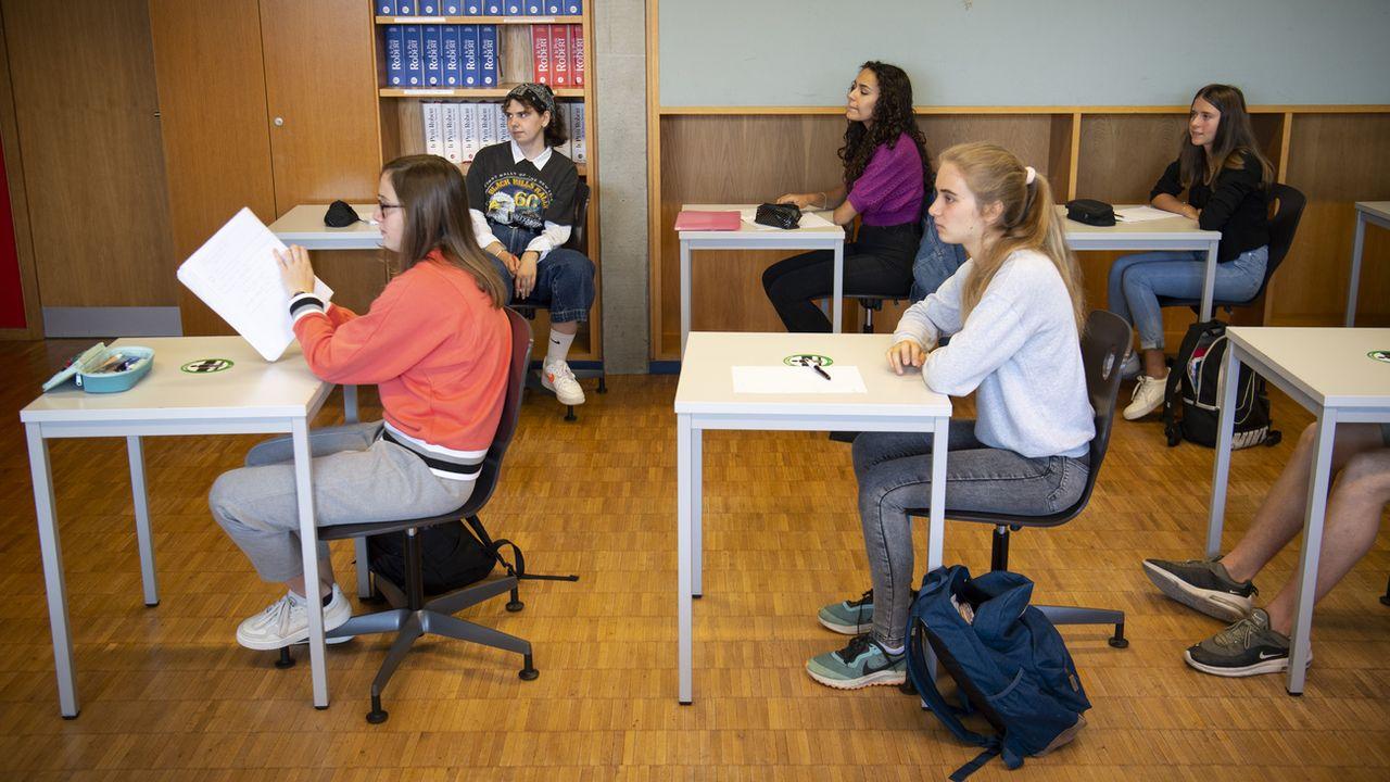 La fermeture des écoles en Suisse pour endiguer la propagation du Covid-19 continue de faire débat.  [Laurent Gillieron - Keystone]