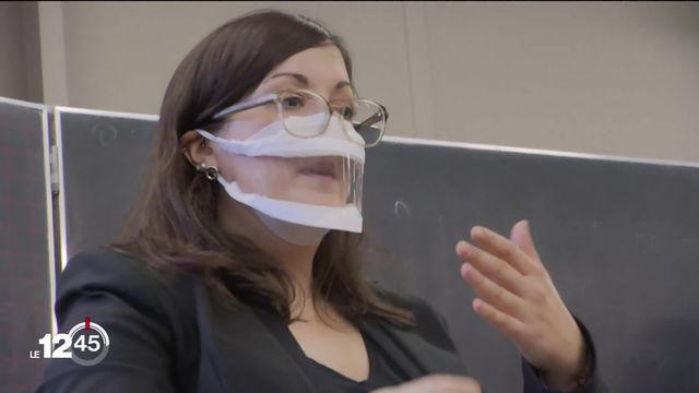 Les masques transparents arrivent dans les écoles. Reportage dans le canton de Vaud [RTS]