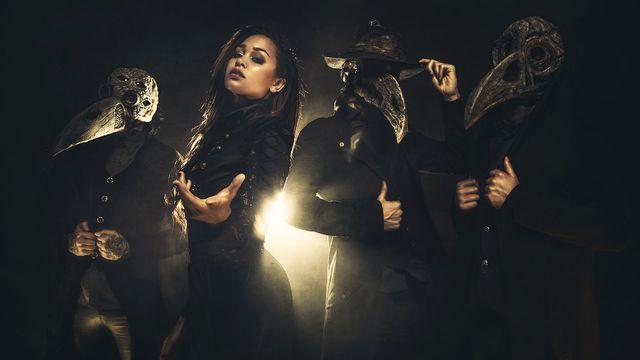 Melissa Bonny, chanteuse du groupe Ad Infinitum. [Nat Enemede]