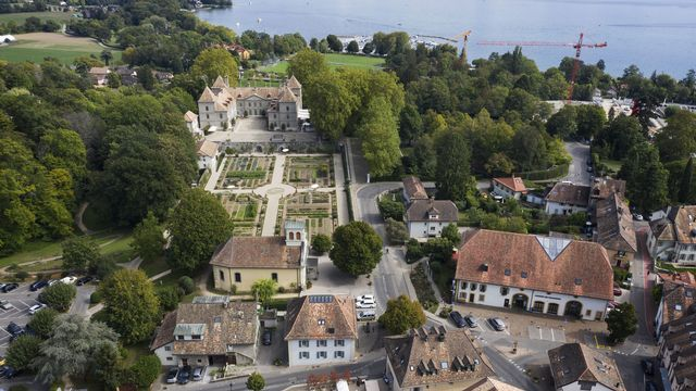 La politique de l'aménagement du territoire de Prangins se fonde sur le respect des espaces libres et des bâtiments apparus au fil du temps. [CHRISTIAN BEUTLER - KEYSTONE]