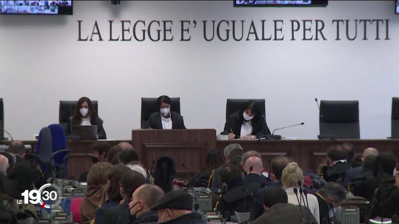 Ouverture d'un maxi-procès contre la mafia calabraise dont certains membres arrêtés en Suisse en décembre 2019. [RTS]