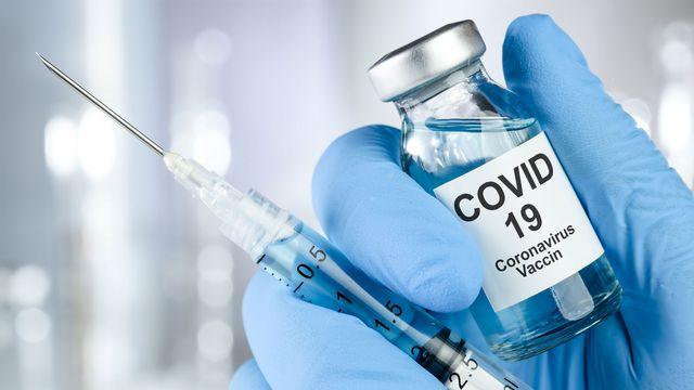 Gros plan sur le vaccin contre le Covid-19. [SSilver - Depositphotos]