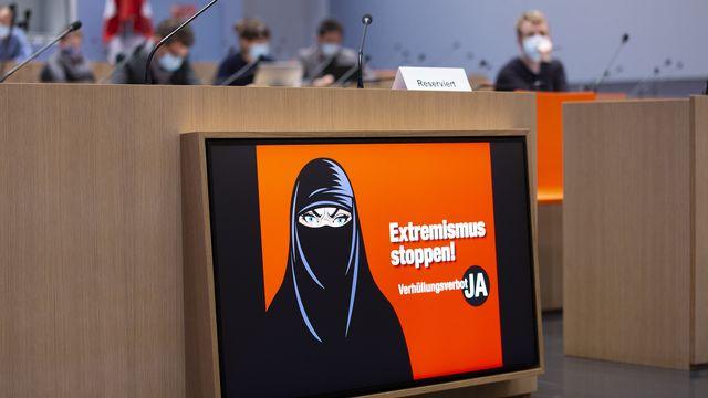 Le comité d'Egerkingen a lancé la campagne pour son initiative anti-burqa. [Peter Klaunzer - KEYSTONE]