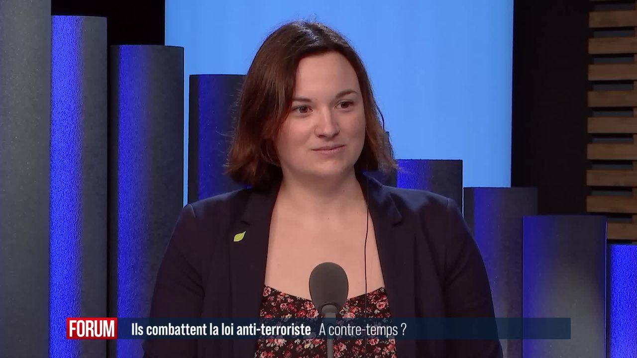 Plus de 140'000 signatures récoltées contre la loi sur le terrorisme: interview de Virginie Cavalli [RTS]