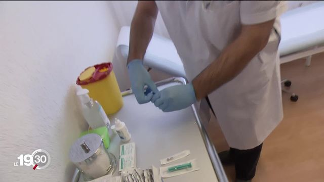 Le Valais confie la première phase de vaccination aux médecins généralistes [RTS]