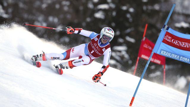 Michelle Gisin a réalisé un bon 1er parcours sur la neige slovène. [Marco Trovati - Keystone]