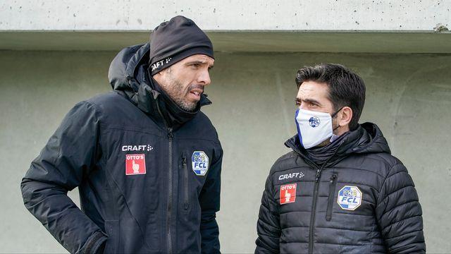 L'équipe dirigée par Fabio Celestini (à gauche) doit ronger son frein quelque temps. [Martin Meienberger - Freshfocus]