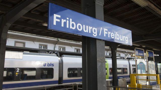 Quel est l'impact du télétravail sur le trafic en gare de Fribourg? [Peter Klaunzer - Keystone]