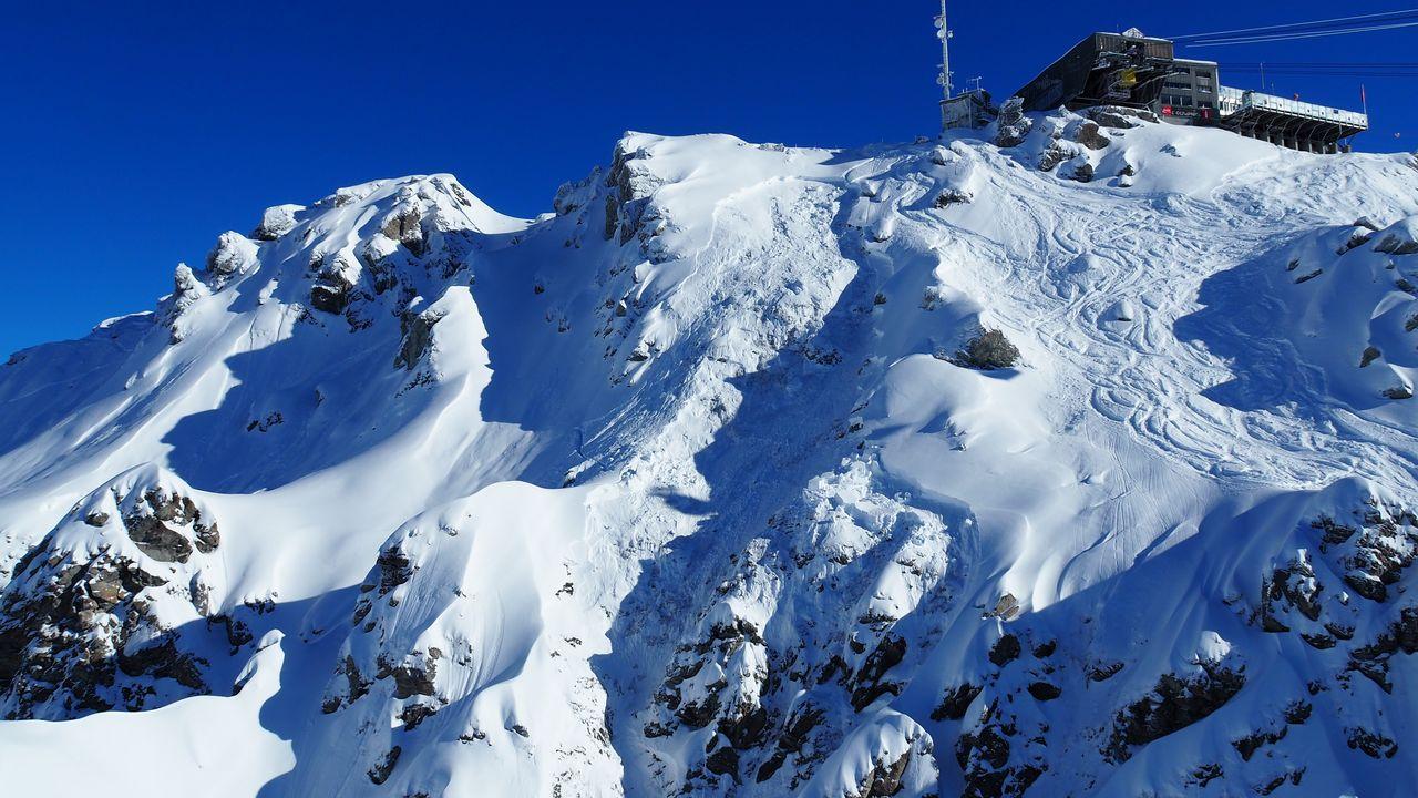 Une avalanche a emporté dix skieurs sur les hauts de Verbier (VS) dans le secteur du Vacheret. [Police cantonale Valaisanne]