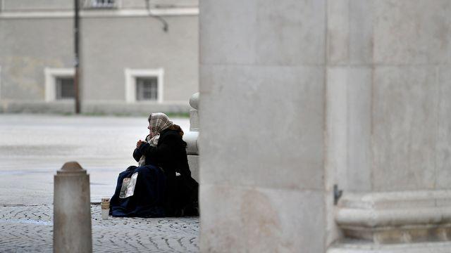 La Suisse a été condamnée à la CEDH pour une amende à une mendiante (image prétexte). [Barbara Gindl - Keystone/APA]
