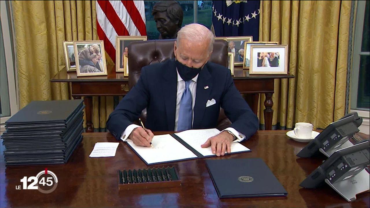 Premières heures et premières mesures du nouveau président américain Joe Biden. [RTS]
