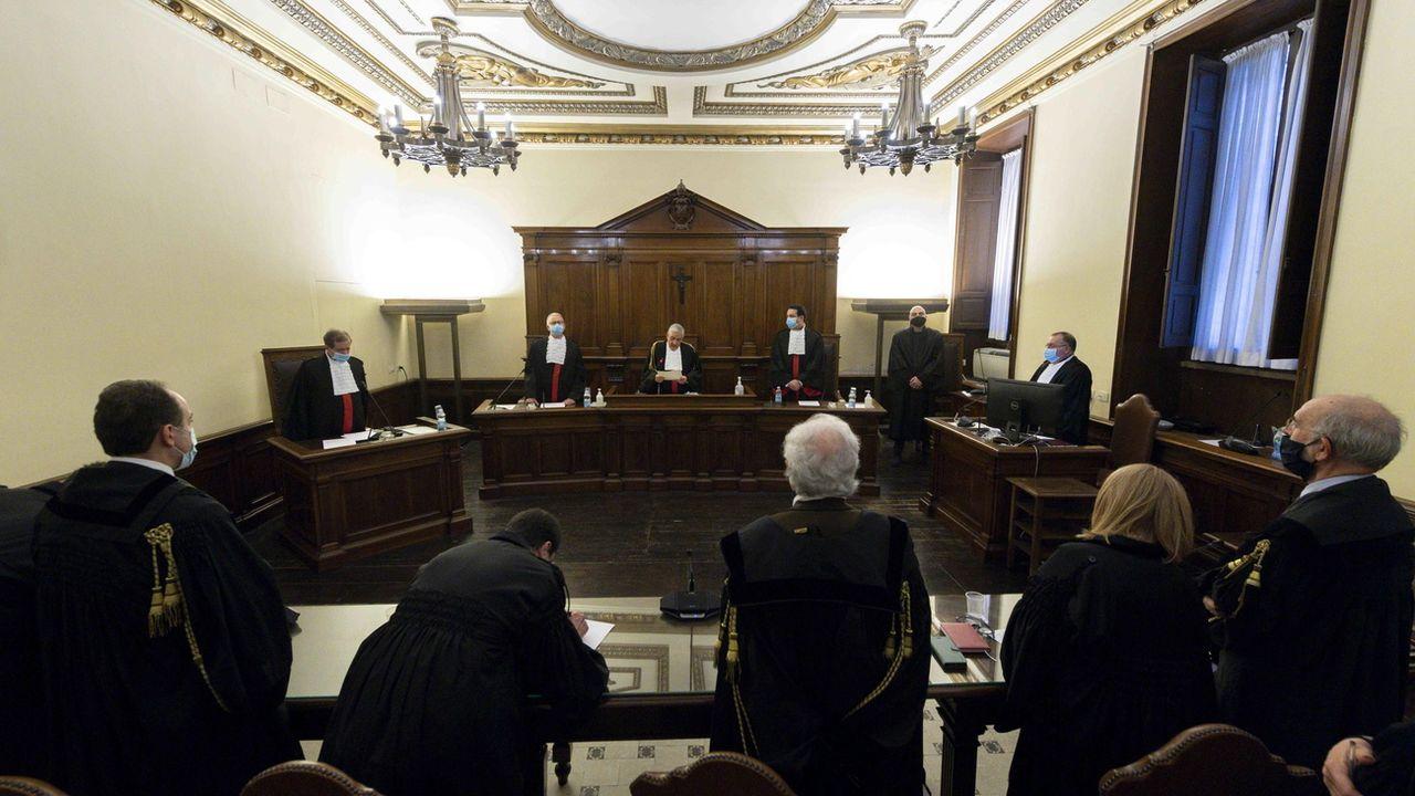 Angelo Caloia, l'ancien président de la Banque du Vatican, a été condamné à 8 ans et 11 mois de prison. [Vatican Media - EPA/Keystone]