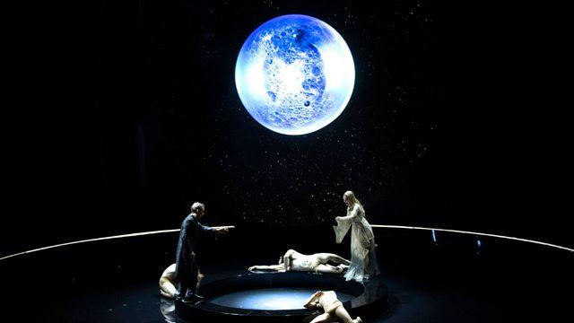 """Une scène de l'opéra dansé """"Pelléas et Mélisande"""" présenté en ligne par le Grand Théâtre de Genève en janvier 2021. [MAGALI DOUGADOS/Grand Théâtre de Genève - DR]"""