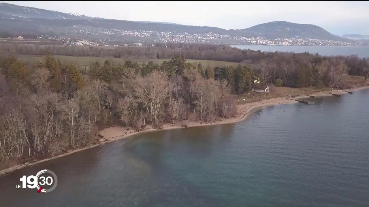 Le littoral neuchâtelois sera entièrement accessible au public d'ici 2025. [RTS]