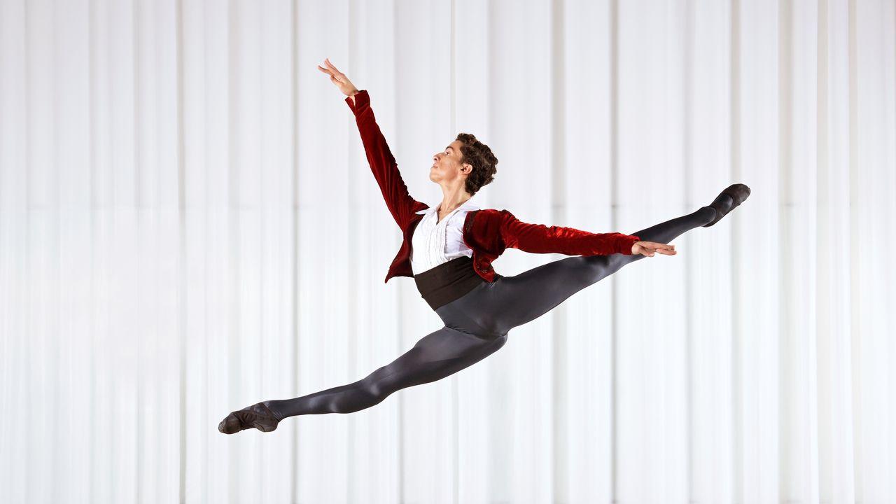 Le danseur Luca Abdel-Nour, l'un des participants du Prix de Lausanne 2021 qui se déroule en ligne. [Andreas Zihler/Tanz Akademie Zürich - DR]