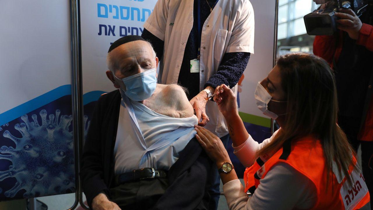 Alors qu'Israël vaccine sa population avec une rapidité et une efficacité impressionnante, les territoires palestiniens de Gaza et de Cisjordanie n'ont toujours pas accès aux vaccins. Et cette situation pourrait encore durer un moment. [Abir Sultan - Keystone]