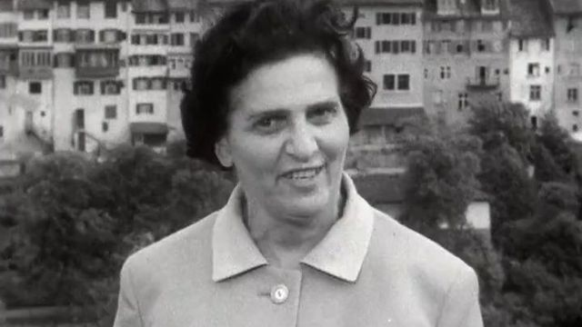 Lotti Ruckstuhl, présidente de l'Association suisse pour le suffrage féminin en 1964 [RTS]