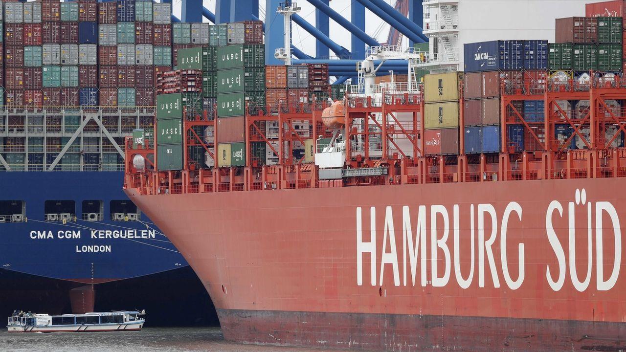 Des conteneurs d'expédition dans le port de Hambourg, en Allemagne, le 9 octobre 2016. [Matthias Schrader - Keystone]