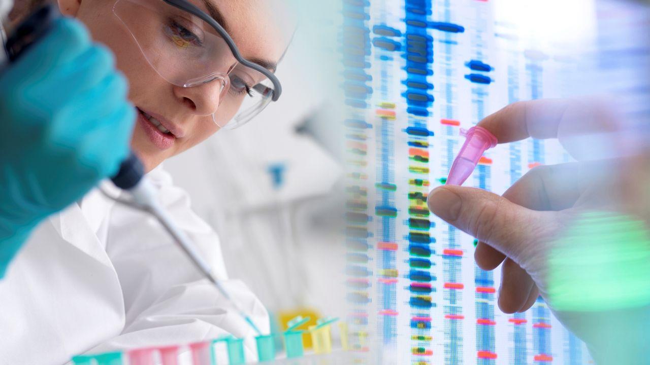 Les tests ADN remportent un grand succès et permettent désormais à chacun et chacune d'obtenir des informations sur ses origines. [Tek Image / Science Photo Library - AFP]